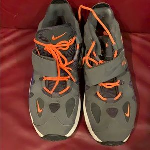Nike MENS training shoe